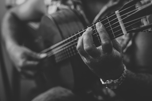 guitar lessons for adults near me